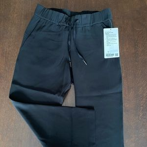 Lululemon new with tags on the fly crop woven